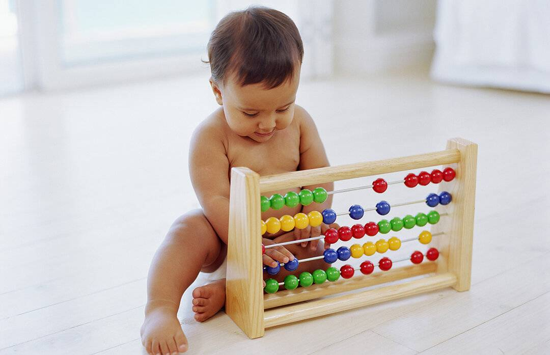 Что должен уметь ребенок в 3 месяца жизни: как правильно развивать малыша родителям