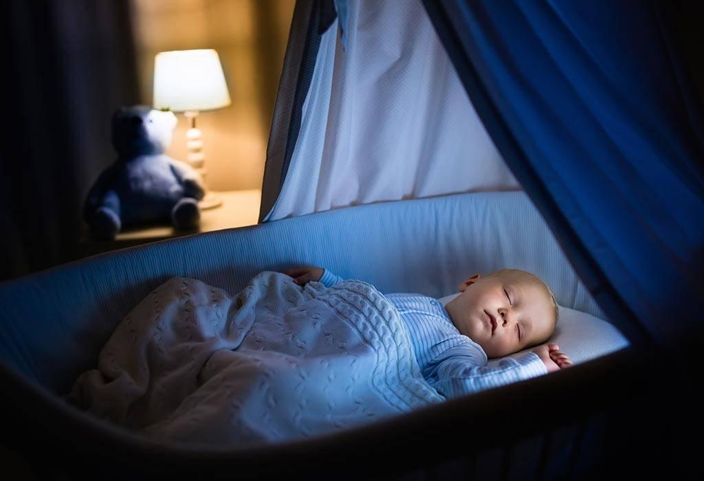 Почему ребёнок плачет во сне?
