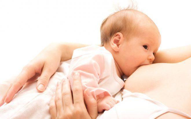 Почему ребенок не берет грудь, психует и плачет? и как ему помочь?