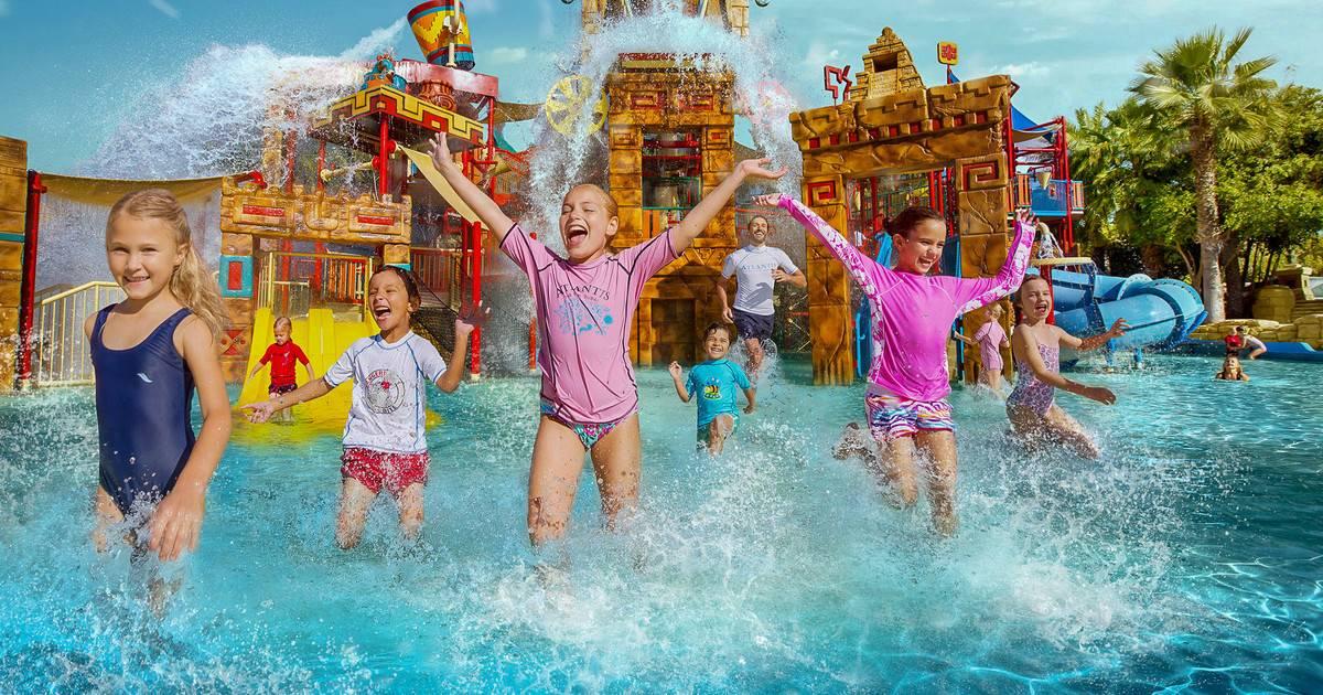 10 лучших аквапарков России для отдыха с детьми