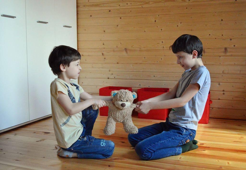Нужно ли учить ребёнка давать сдачи, и как правильно реагировать на агрессию со стороны других детей