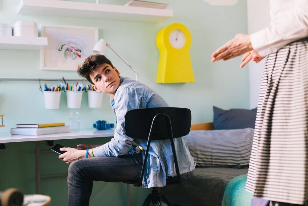 Как родители нарушают личные границы детей: 5 ситуаций
