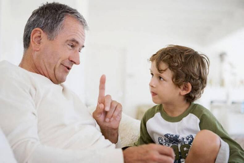 Мудрые цитаты, философские фразы, короткие высказывания про отца (папу)