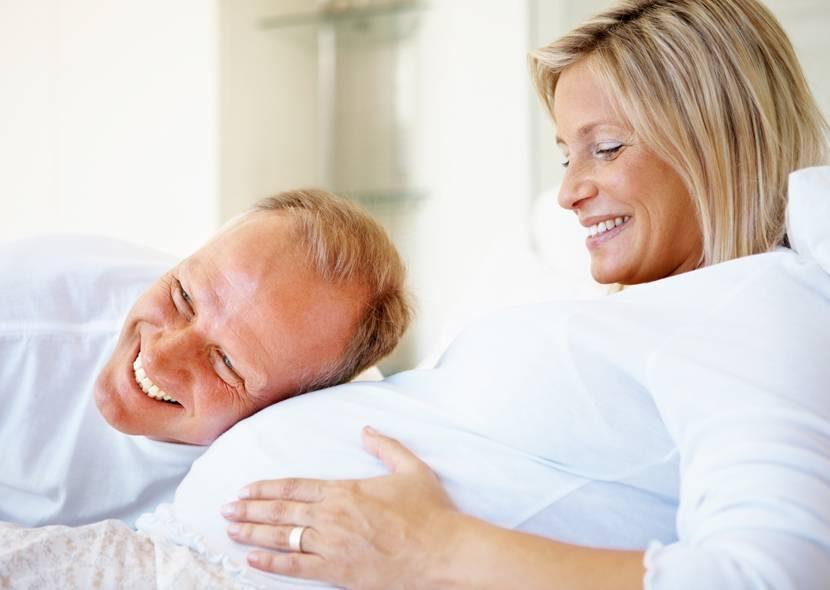 Разбор: скрытые риски поздней беременности для матери и ребенка