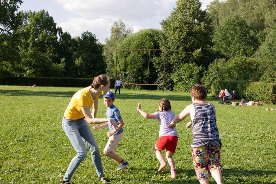 Игры на свежем воздухе: играем с детьми на прогулке
