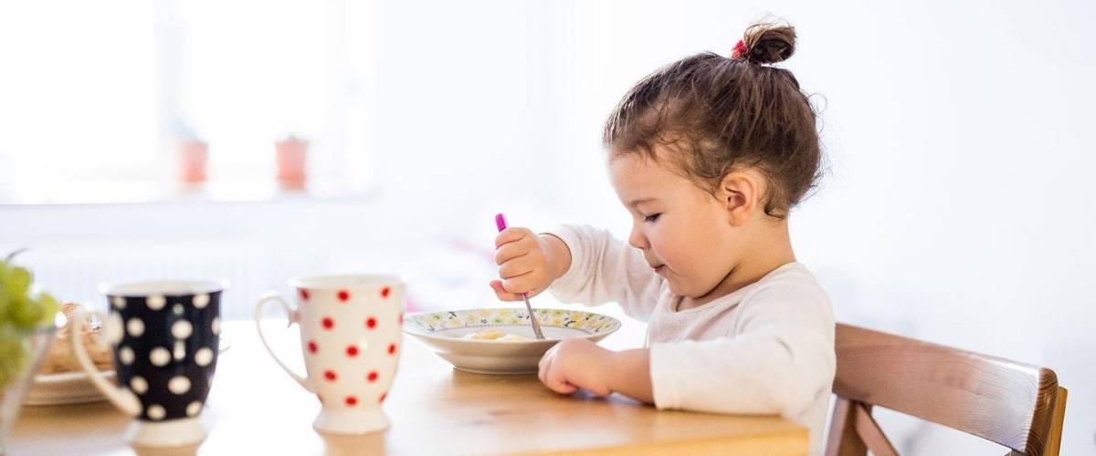 В гости с ребенком волнующее событие — почему нужно знать правила этикета