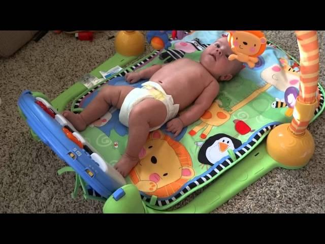Развивающий коврик для новорожденных: как его выбрать для младенца