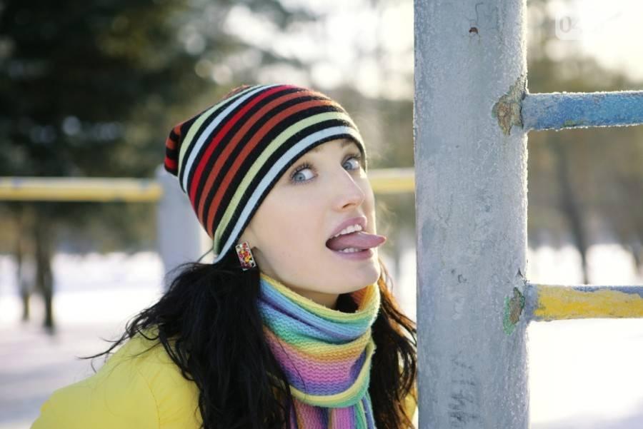 Язык примерз на морозе к железу – что делать, как помочь ребенку - советы врача