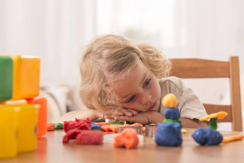 Ребенку не интересны игрушки: что делать? или почему дети не играют.