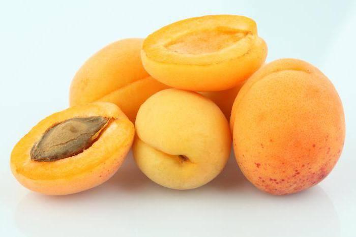 """Можно ли персики при грудном вскармливании новорожденного: мнения """"за"""" и """"против"""""""