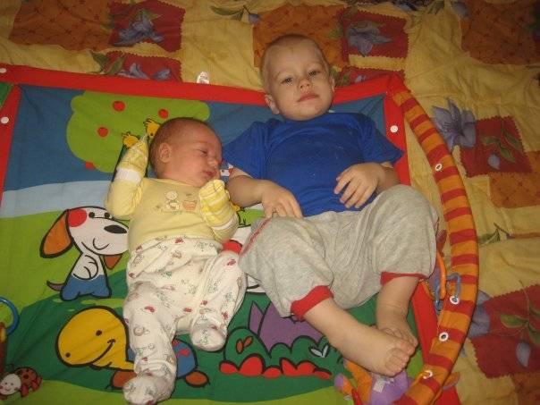 Трудности и проблемы в воспитании детей погодок