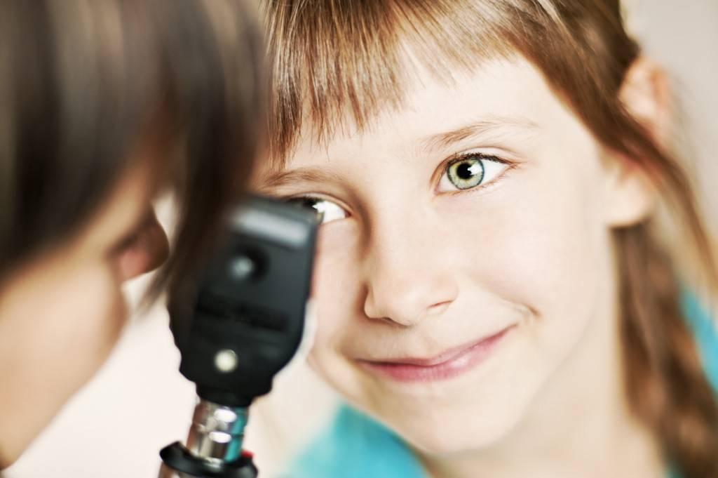 Со скольки лет можно носить линзы для зрения? «ochkov.net»
