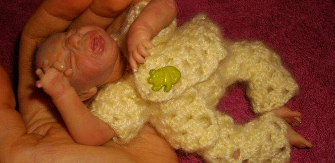 Сколько какает месячный ребенок. сколько раз новорожденный должен какать?