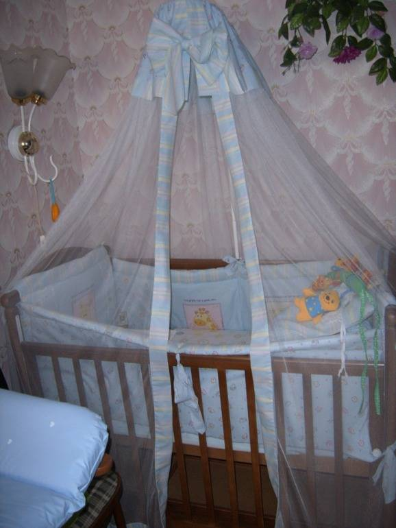 Как повесить балдахин на детскую кровать
