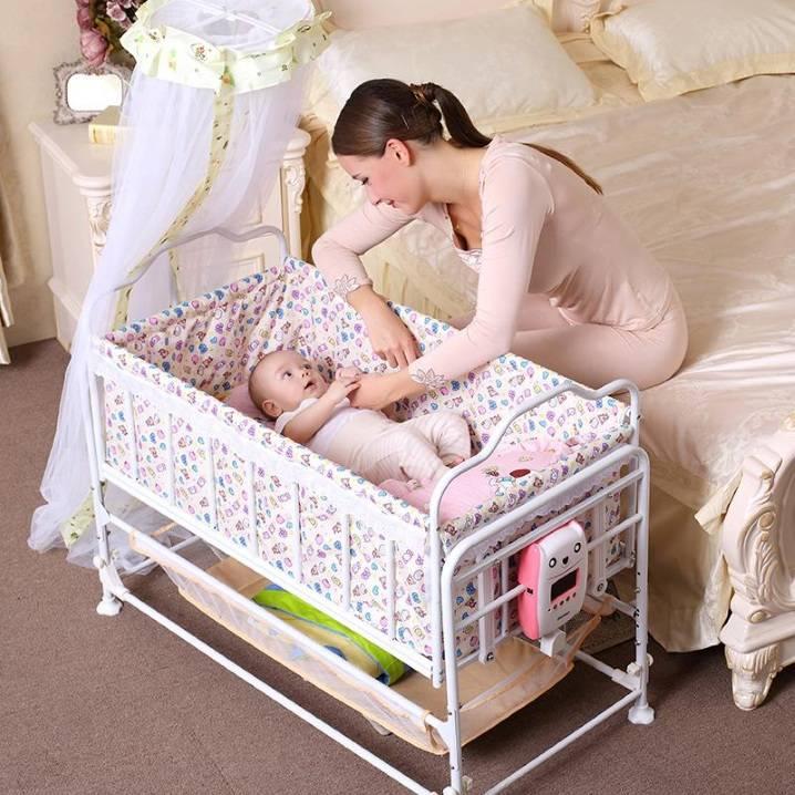 Что нужно в кроватку для новорожденного: список необходимых вещей и аксессуаров