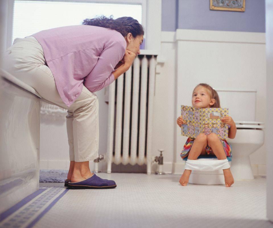 Почему ребенок боится самостоятельно ходить: как помочь малышу