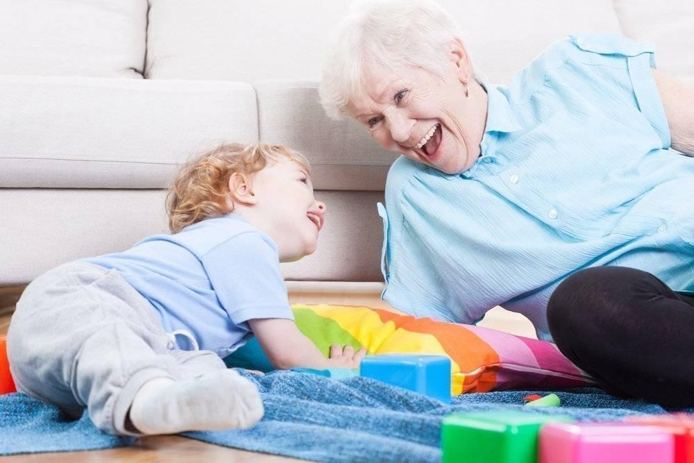7 типов бабушек, которые опасны для детей   uduba.com
