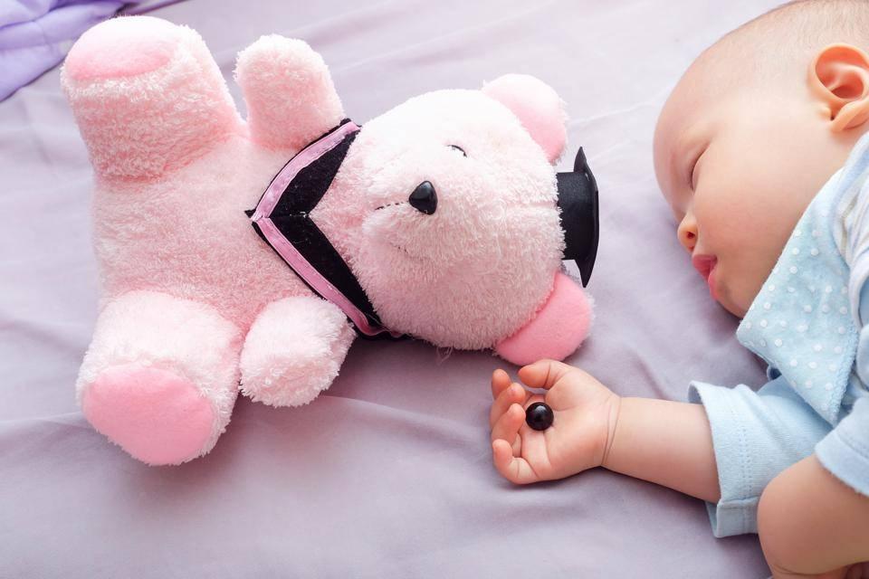 Опасные игрушки для детей: что нельзя покупать малышам разного возраста