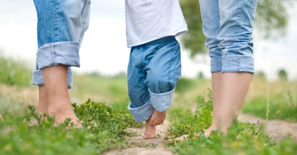 Почему ребенок ходит на носочках (цыпочках): причины, лечение - полонсил.ру - социальная сеть здоровья - медиаплатформа миртесен