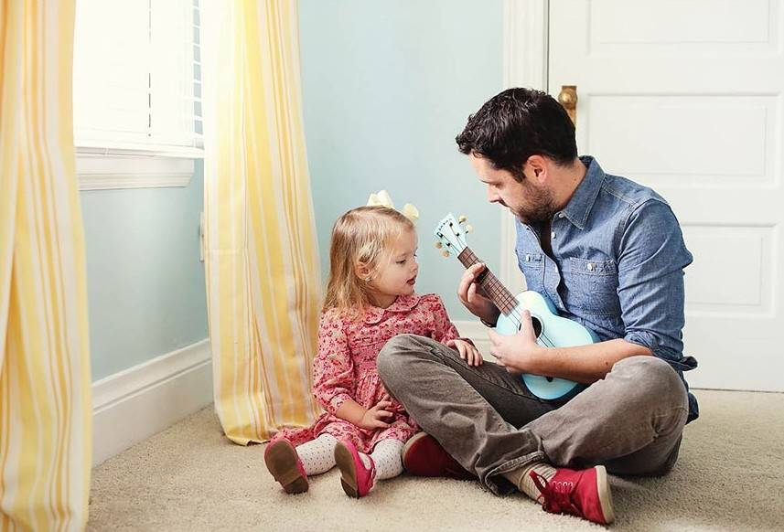 Вы - отец одиночка и перед вами вопрос - как воспитывать ребенка?