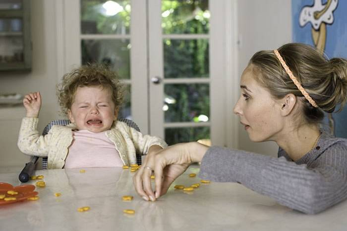 Что нельзя делать родителям, если ребенок капризничает?