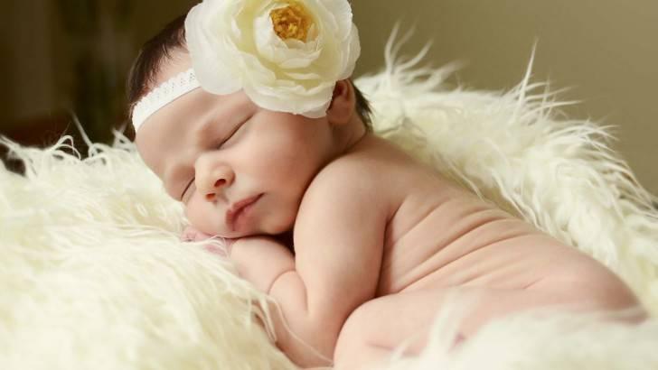 Почему нельзя показывать новорожденного чужим и когда можно начинать