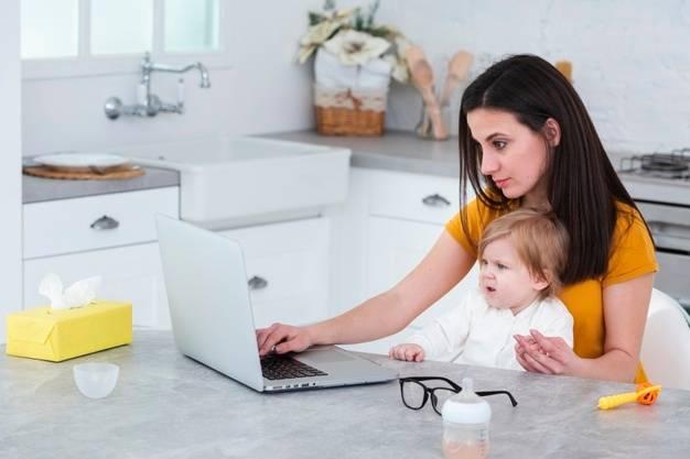 Пособие от 3 до 7 лет в 2021 году: если мама не работает |