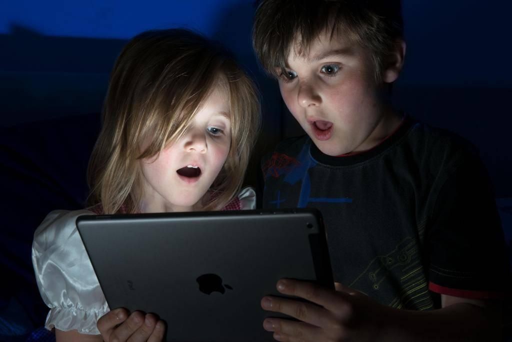 Знаете ли вы, что делают ваши дети в интернете? / newtonew: новости сетевого образования