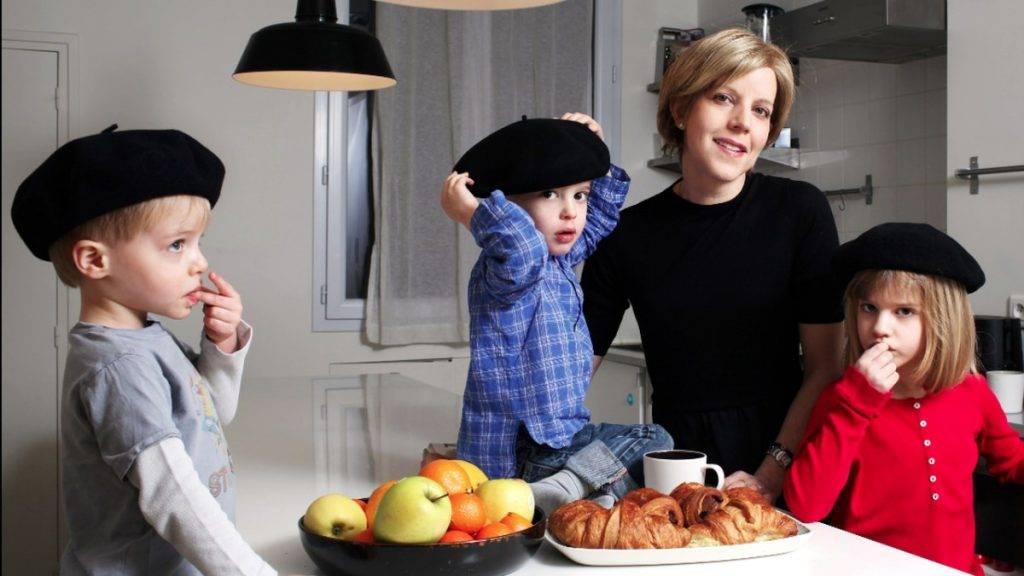 Французские дети не плюются едой. секреты воспитания из парижа