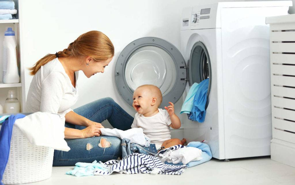 Детские вещи для новорожденных: как стирать и какими средствами
