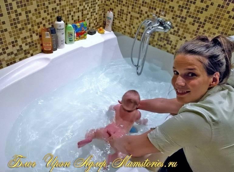 Уроки плавания для грудничков в ванной: простые правила