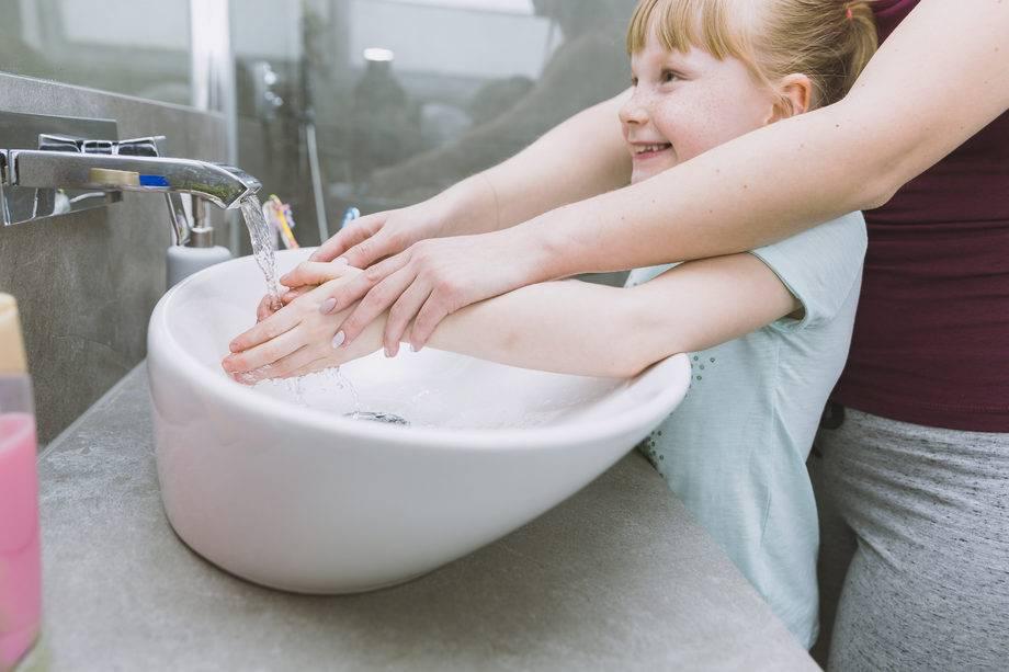 Как приучить ребенка мыть руки и носить маску - советы психолога