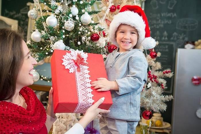 Что выбрать в подарок ребенку на новый год?   что и как дарить - энциклопедия идеи подарков