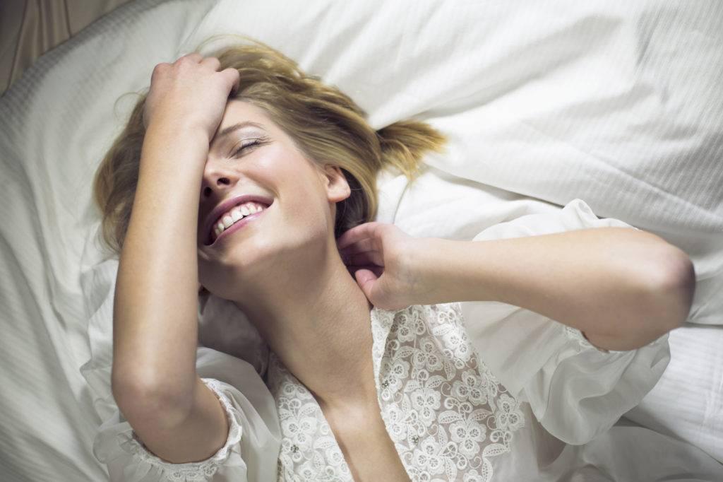 15 простых и сумасшедших вещей в постели, которые сводят мужчин с ума