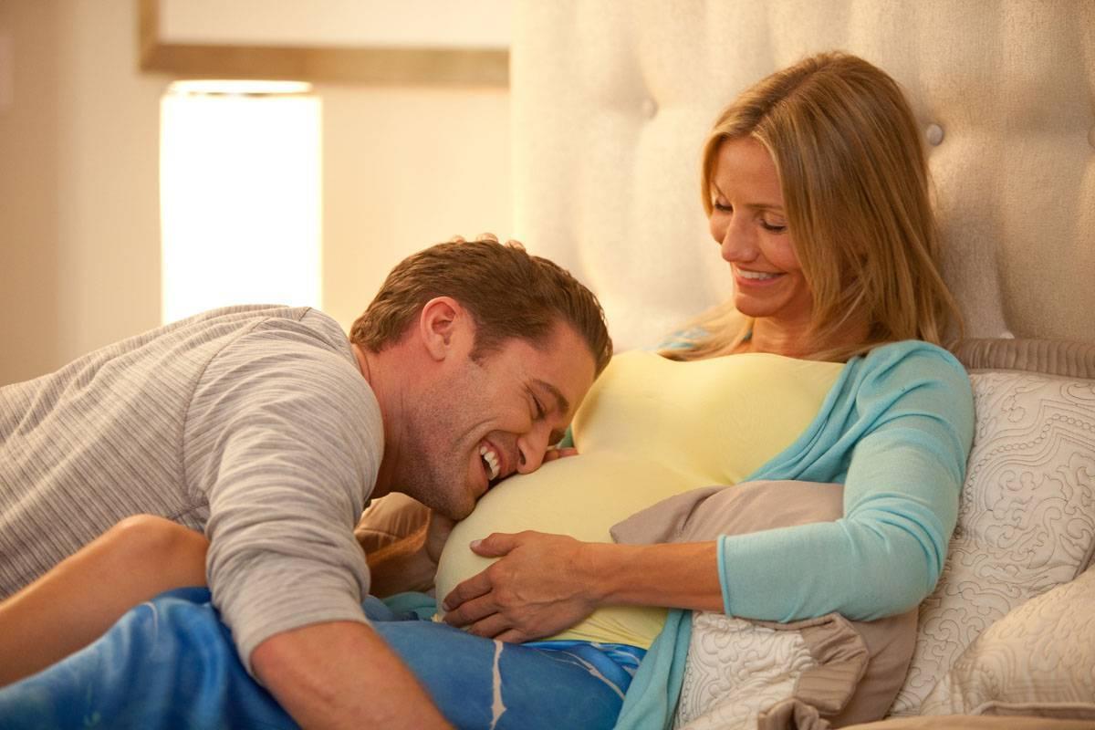 10 лучших позитивных фильмов для беременных — что стоит посмотреть будущей маме?