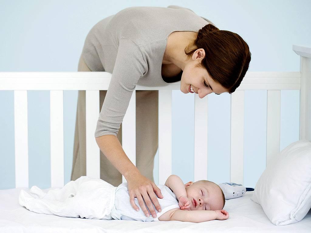 Как отучить ребенка спать с родителями и приучить спать одному