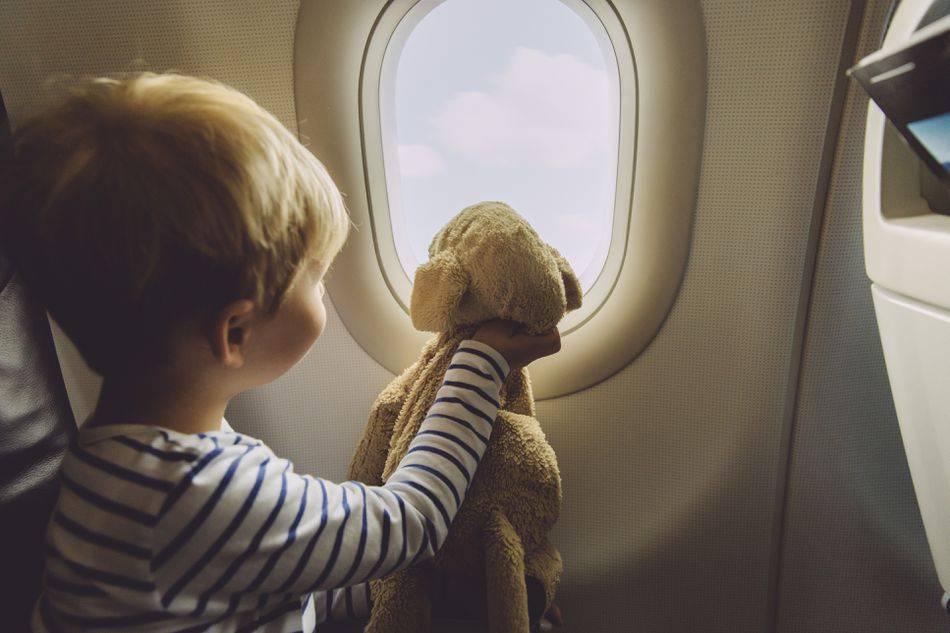 Ребенок в самолете. разбор полета для детей до 2 лет. перелет детей 2 года