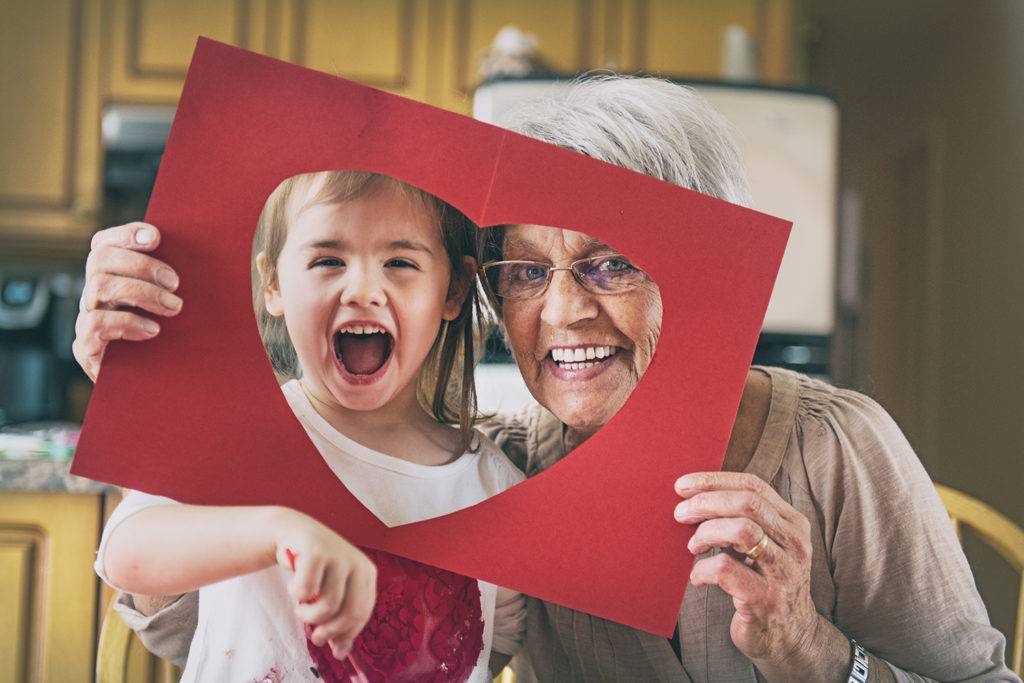 Если бабушка мешает воспитывать ребенка. 4 вопроса психологу