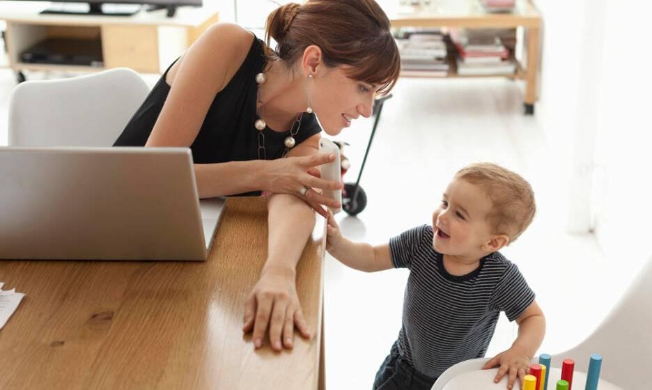 Работающая мама: 9 советов как совместить семью и работу