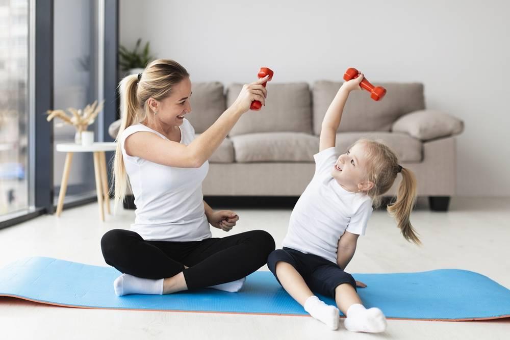 Фитнес с ребёнком: мама и малыш