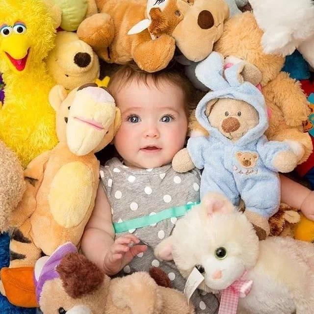 Какие игрушки нужны для грудничков на первом году жизни