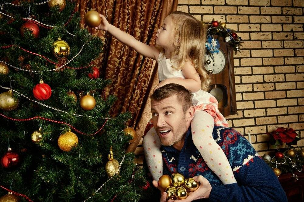 Как нарядить елку, если в доме маленький ребенок - выбор дерева и игрушек