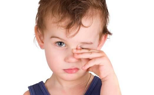 Нервный тик у ребенка: симптомы и лечение, советы родителям при нервных тиках у детей
