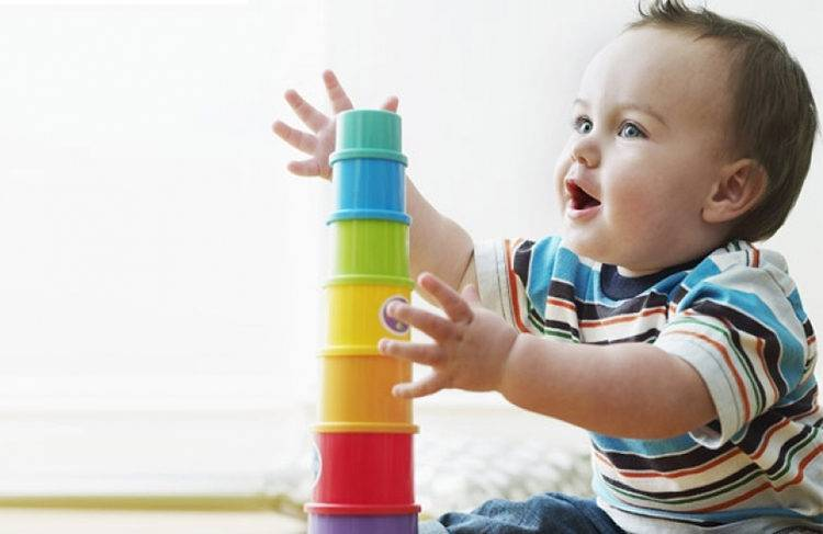 Игры с ребенком 9 месяцев - развитие в соответствии с возрастом