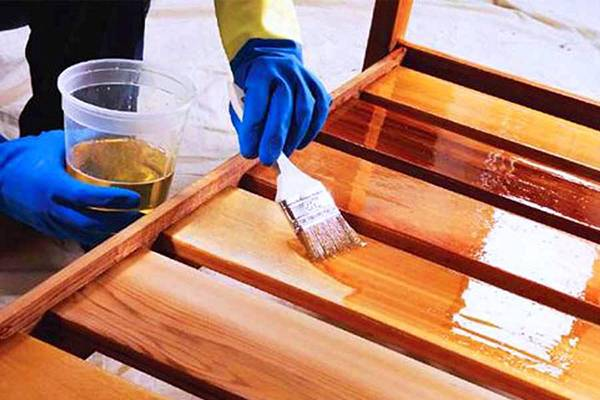 Как покрасить шкаф из дсп в белый цвет. чем можно покрасить кроватку новорожденного: выбор безопасного покрытия для реставрации старой деревянной кровати покрасить детскую кровать из фанеры чем