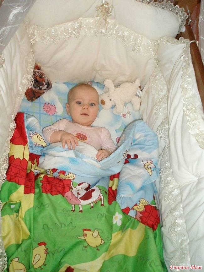 С какого возраста нужна подушка ребенку?