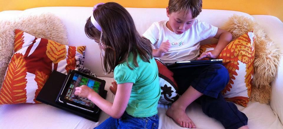 Как мультики влияют на психику ребенка и что можно показывать юным зрителям