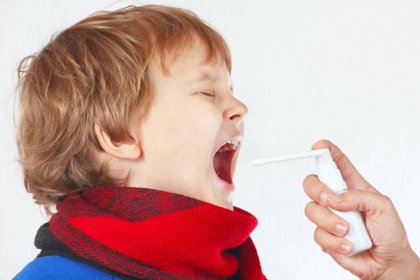 Причины, симптомы и методы лечения гнойных пробок в миндалинах