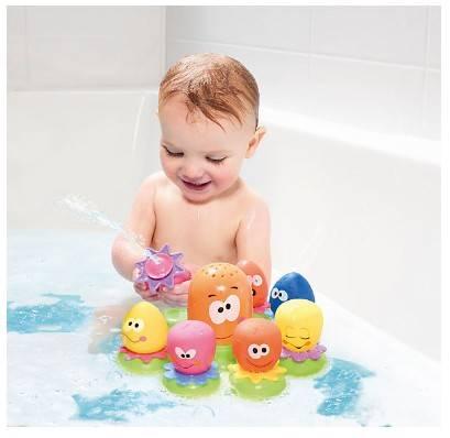 Игрушки для купания: советы по выбору увлекательных детских комплектов