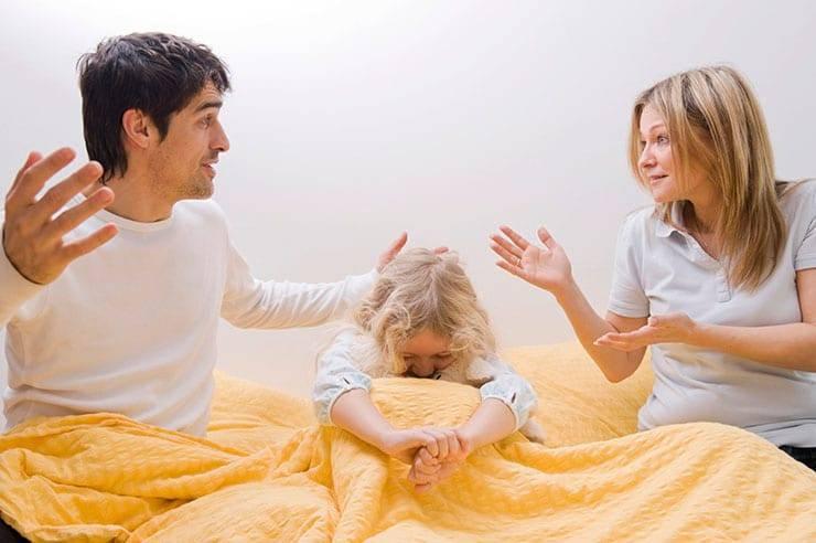 Ребенок боится оставаться один дома или в комнате, что делать если ребенок в 8,5,6,7,10 лет стал бояться остаться один
